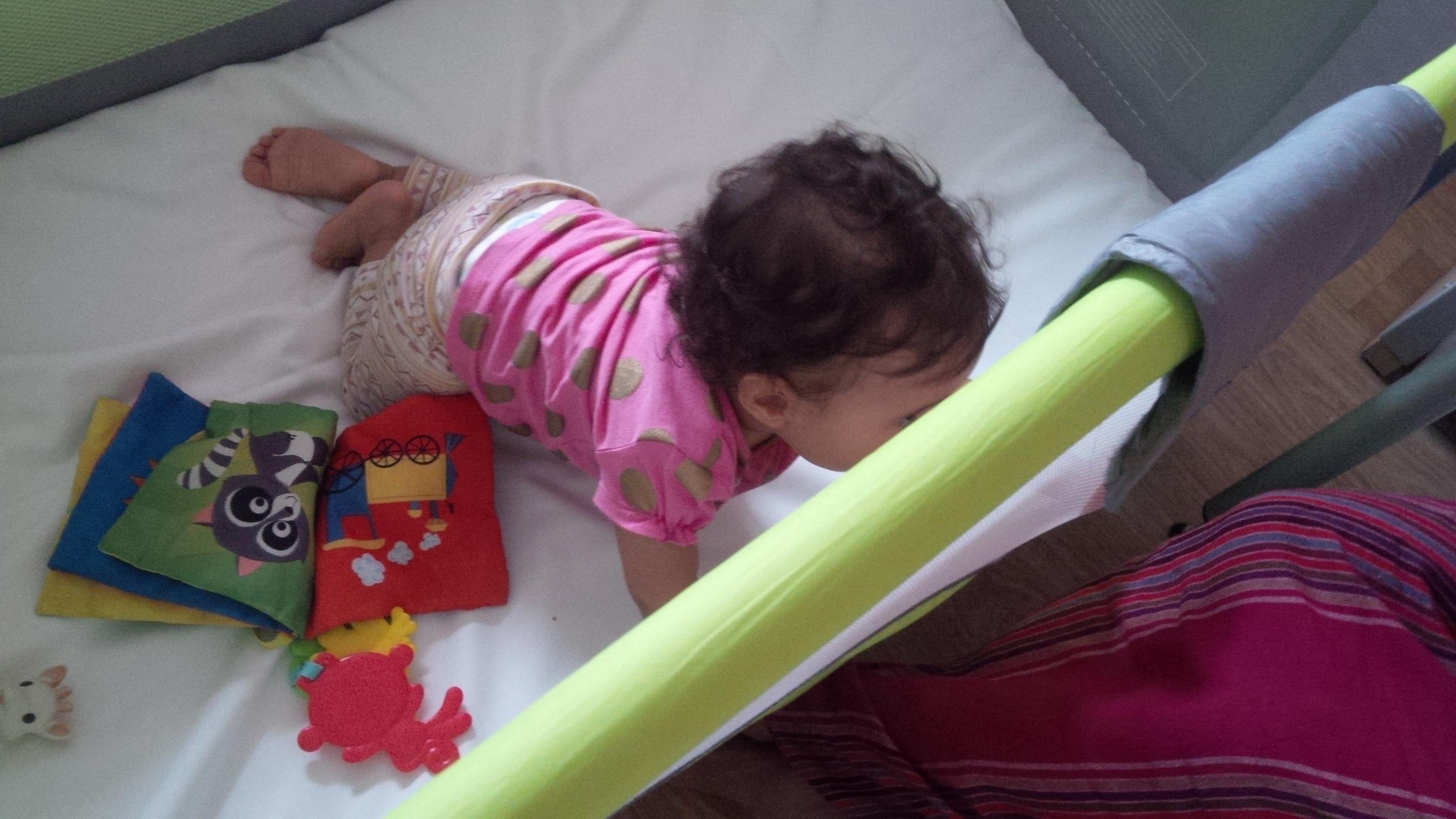 Avec bébé en avion : comment voyager sans stress ? - monpremierbebe.fr