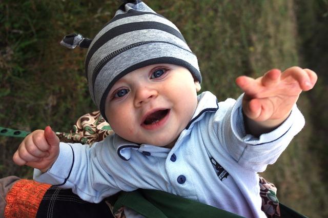 Comment contribuer à l'éveil de bébé simplement ?
