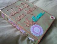 DIY : J'ai créé un classeur de souvenirs pour bébé